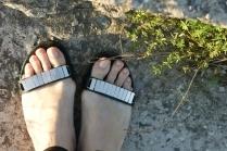 Ногти на ногах толстые и твердые. Что делать?