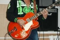 Самые простые песни на гитаре для начинающих
