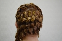 Классические причёски на средние волосы