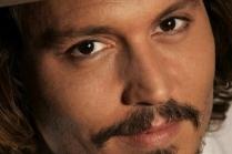 """Джонни Депп повредил руку во время съемок пятой части """"Пиратов Карибского моря"""""""