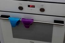 Как избавиться от нагара в духовке
